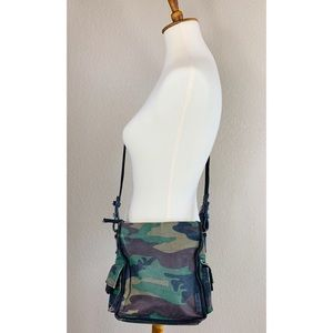 {Fossil} Camouflaged Crossbody Bag